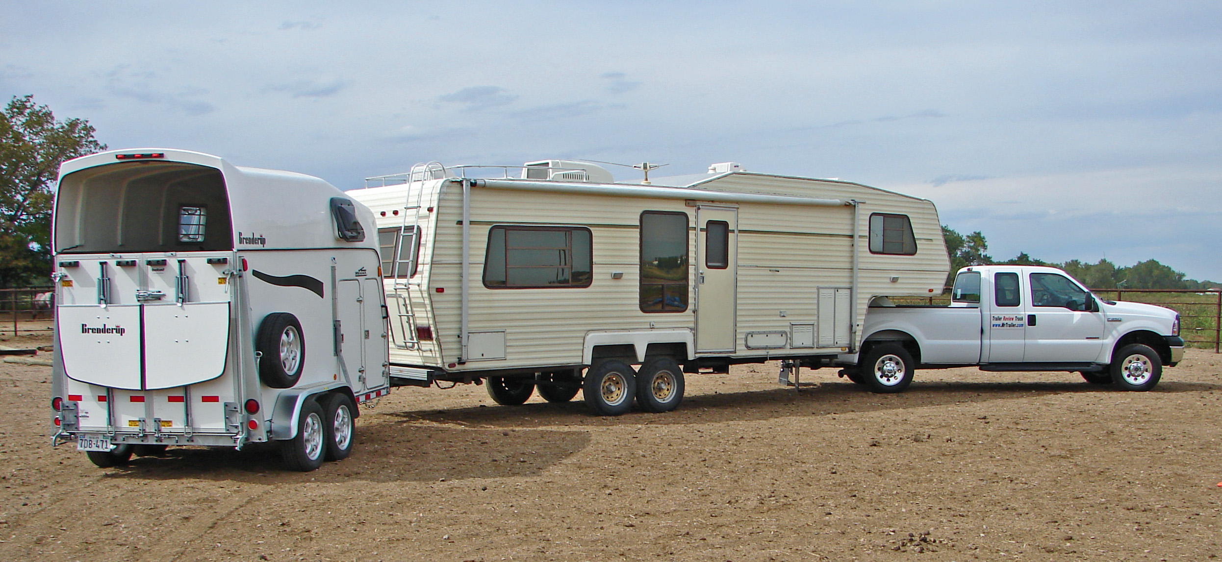 Amazing  Stock Combo Gooseneck Horse Trailer With Living Quarters  YouTube